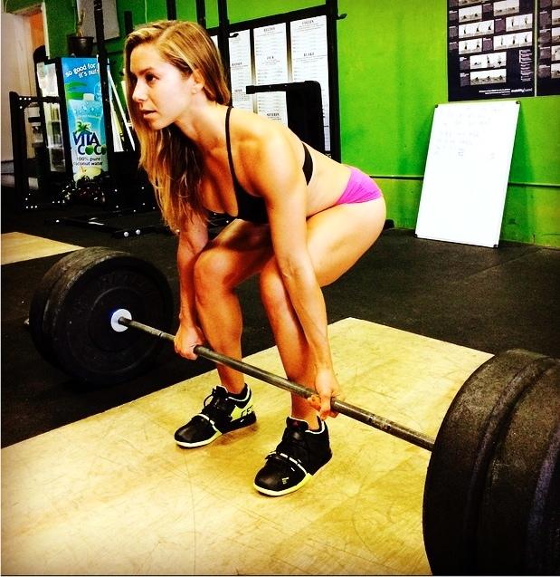 female powerlifters